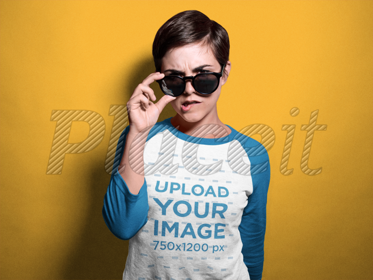 Placeit Woman With Sunglasses Wearing A Raglan Tshirt Mockup In